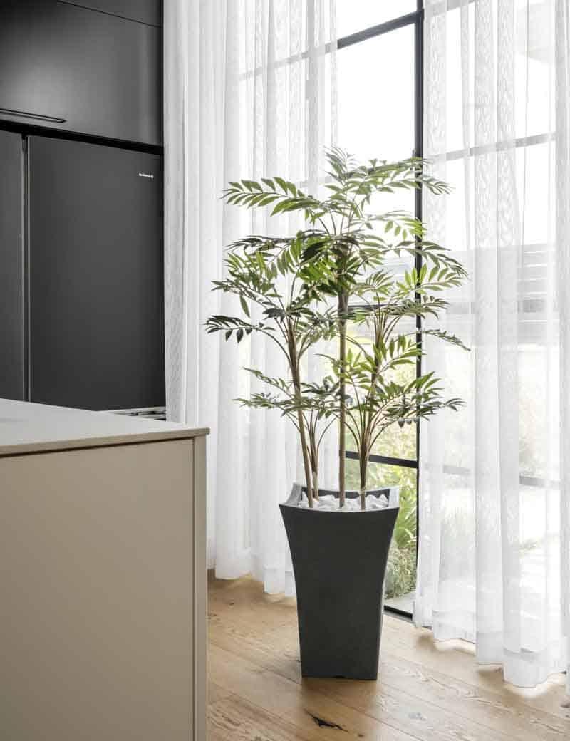 דקל חמדוריאה מלאכותי לעיצוב הבית | גרדן מרקט - צמחיה מלאכותית איכותית