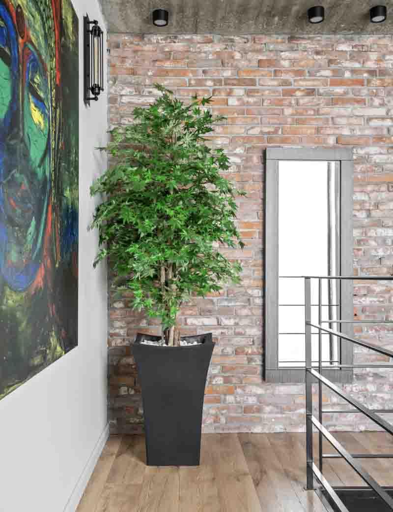 עץ מייפל ירוק מלאכותי לעיצוב המשרד והלובי | גרדן מרקט - צמחיה מלאכותית איכותית