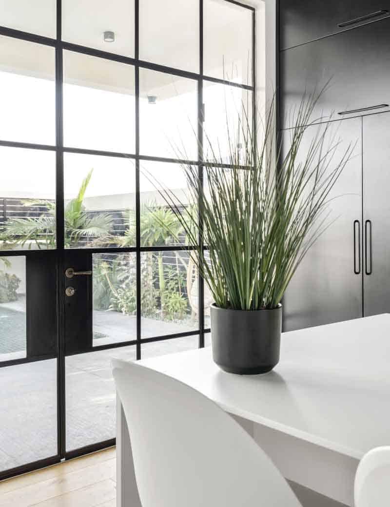 עשבוני ארביס מלאכותי לעיצוב הבית | גרדן מרקט - צמחיה מלאכותית איכותית